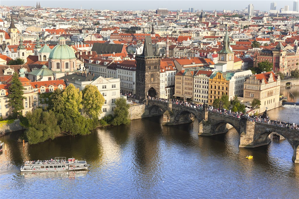 Airview Charles Bridge.jpg